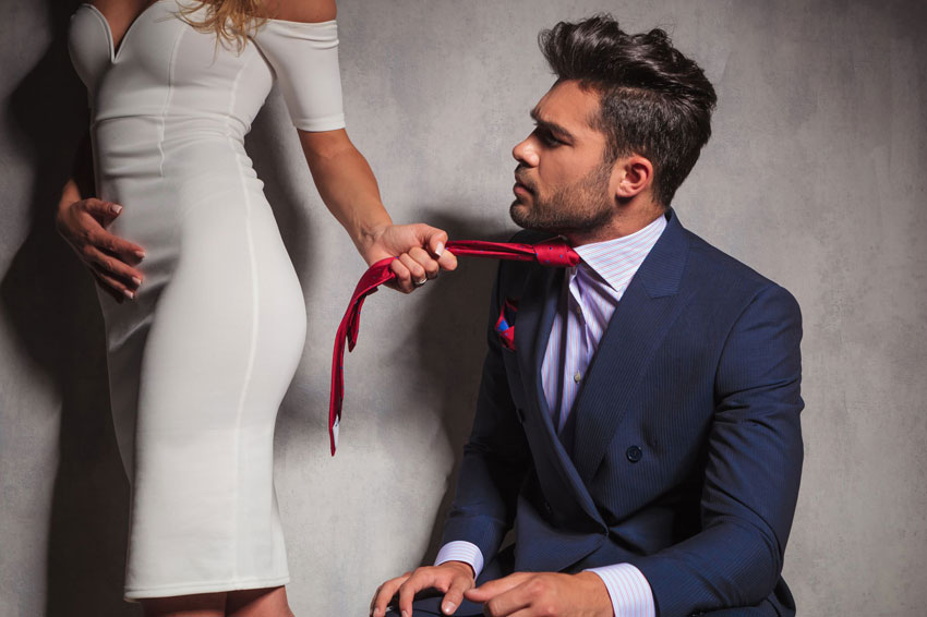 6 проверенных способов, как заставить мужчину думать и скучать